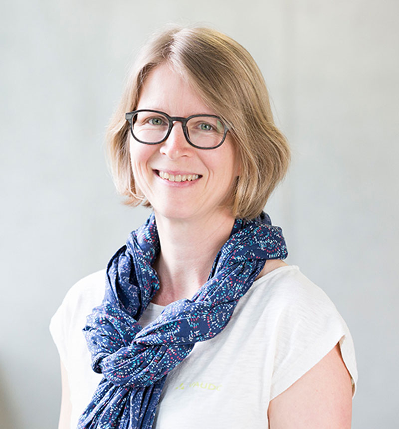 Dr. Claudia Hildebrand